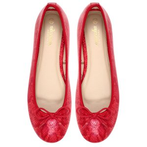 Women red ballerina flats / pumps